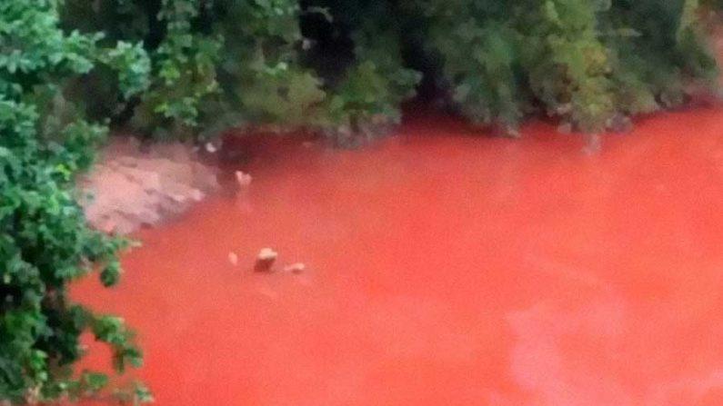 Rio chinês fica vermelho depois de terremoto no Japão