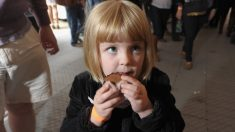 Como ajudar as crianças a comer bem
