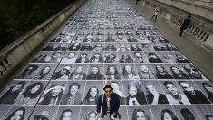 Artista francês estampa centenas de rostos por toda Londres, Inglaterra