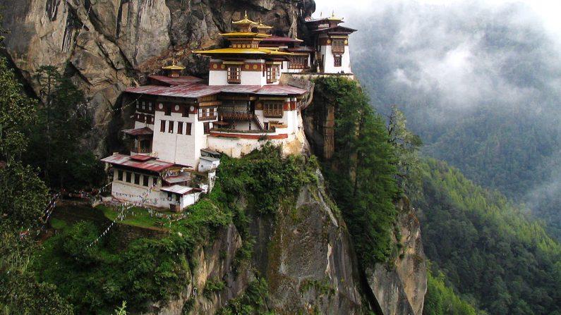 Monastério Taktsang, no Butão, o Ninho do Tigre