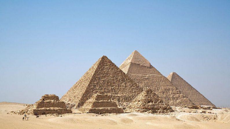 Pirâmides de Gizé:uma das sete maravilhas do mundo antigo