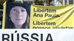 Ativista brasileira do Greenpeace retorna ao país