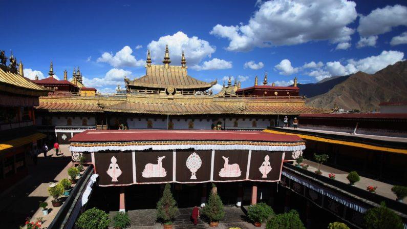 Profanação do Mosteiro Jokhang simboliza destruição cultural do Tibete