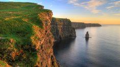 Costa oeste da Irlanda é recortada por rochedos e mitos celtas
