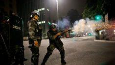 Democracia brasileira está sendo destruída pela violência, diz especialista