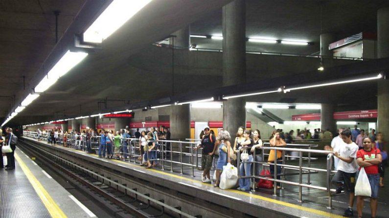 Greve dos metroviários é suspensa e metrô de SP volta a funcionar