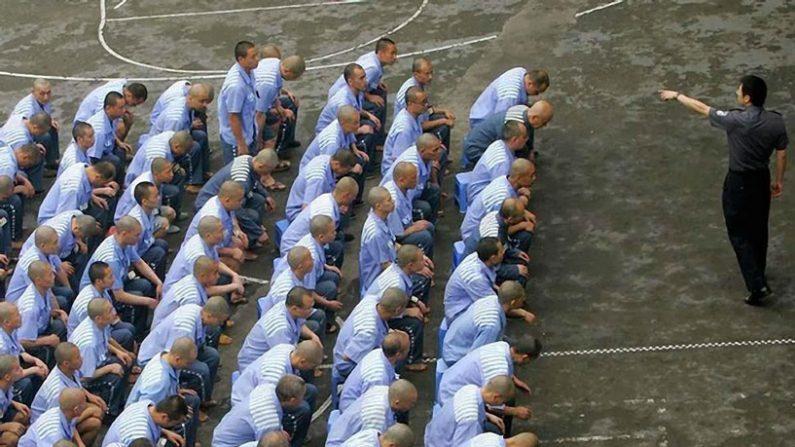 """Ditadura chinesa mantém o """"gulag"""", embora diga que o aboliu"""