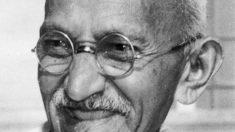 20 frases ditas por Gandhi que vão mover seu coração