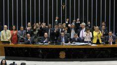 Aprovado, marco civil da internet vai ao Senado