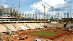 Falta de planejamento e de fiscalização causa atraso nas obras da Copa