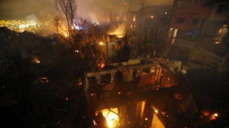 Incêndio no Chile segue sem controle e país pede apoio à Argentina