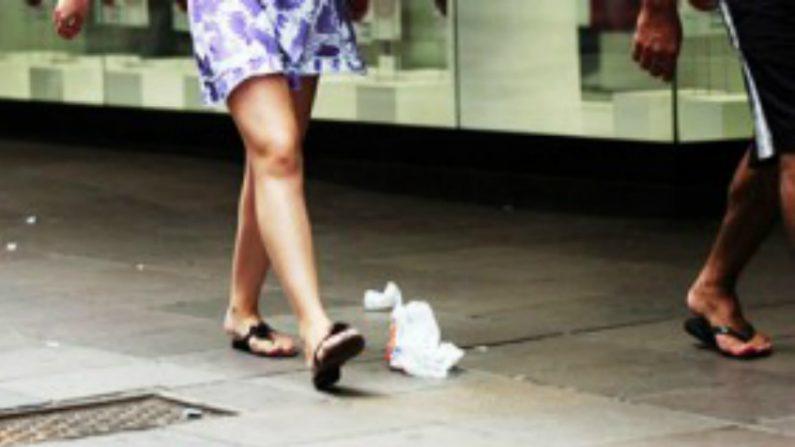 Multa por jogar lixo nas ruas de Porto Alegre pode chegar a mais de R$ 4 mil