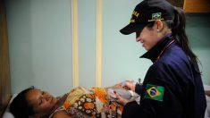 Navio da Marinha fornece atendimento médico a ribeirinhos no Amazonas