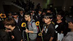 Estudantes de Taiwan desocupam o Parlamento, mas prometem continuar