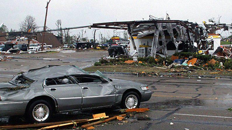 Sobe para 29 o número de mortos por tornados nos Estados Unidos