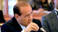 Tribunal pune Berlusconi com um ano de serviço comunitário
