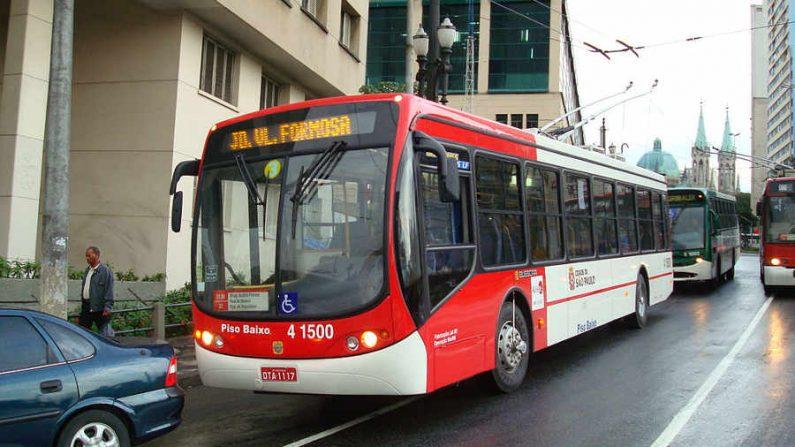 Motoristas de ônibus de São Paulo retomam trabalho