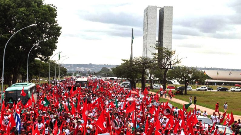 Acordo entre PSDB e PT autoriza criação de conselhos populares em São Paulo