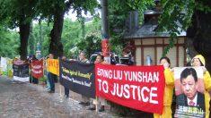 Autoridade chinesa em visita à Finlândia é recebida com protestos