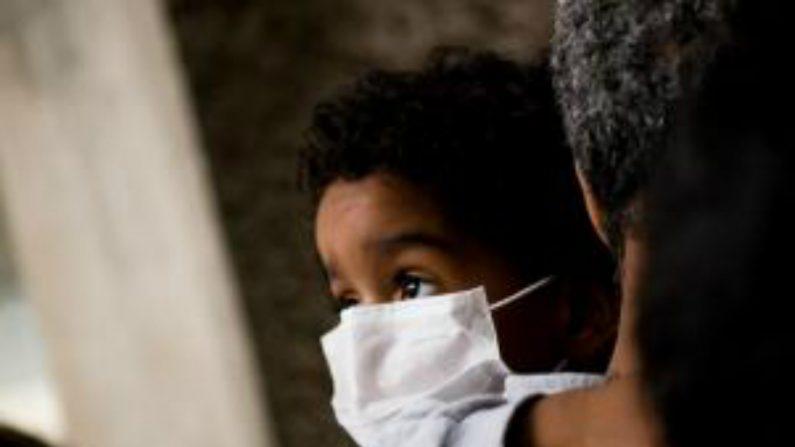 OMS pede medidas drásticas contra surto de ebola na África