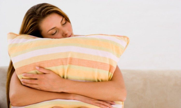 Solidão pode fragmentar a noite de sono, segundo estudo