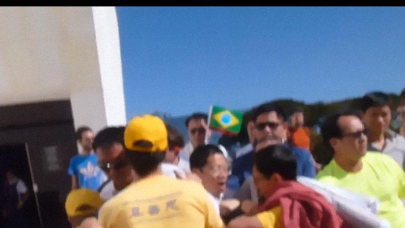Praticantes do Falun Gong são agredidos por chineses em Brasília