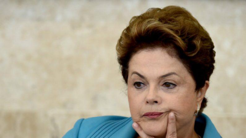 Dilma veta correção da tabela do IR em 6,5%