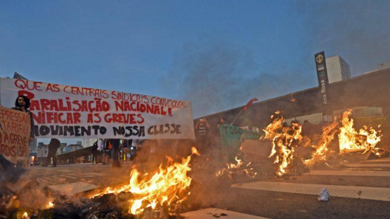 MP cobra 486 milhões de sindicatos por greve de ônibus e metrô em São Paulo