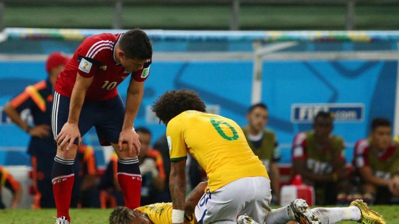 Neymar fratura vértebra e está fora da Copa do Mundo
