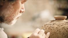 Confira vasos de cerâmica de artistas coreanos
