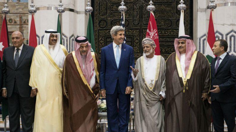 EUA obtém apoio de países árabes na luta contra o Estado Islâmico