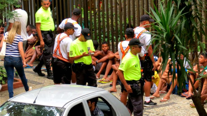 Setenta detidos em mais um domingo de furtos na orla de Copacabana