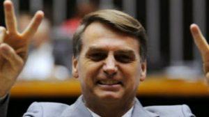 Ao ser recebido em sessão solene no Congresso, Bolsonaro garante respeito irrestrito à Constituição (Vídeo)
