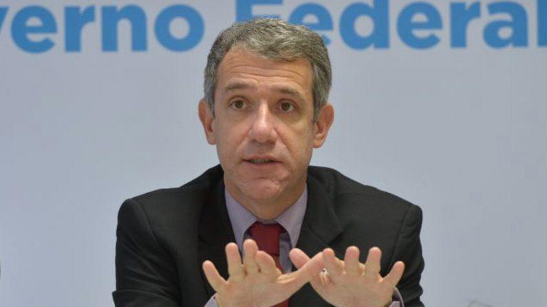 Ministro da Saúde explana primeiro caso suspeito de ebola no Brasil