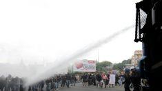 Confrontos entre polícia e manifestantes contrários à reunião do Banco Central Europeu
