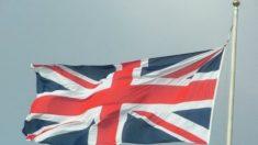 Funcionários do serviço de saúde britânico entram em greve pela primeira vez em 32 anos