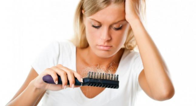 A estreita ligação entre o aspartame e a perda de cabelo