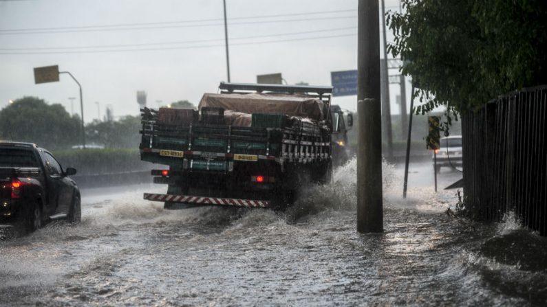 Chuva deixa zona norte de São Paulo em estado de atenção por uma hora
