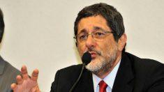 Conselho da Petrobras pede punição de Sérgio Gabrielli pela compra da refinaria Pasadena