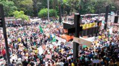 Manifestantes pedem impeachment de Dilma Rousseff e anulação das eleições