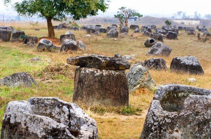 Artefatos misteriosos de Laos inspiram lenda de gigantes