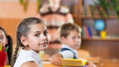 Mesas para assistir aulas em pé previnem a obesidade infantil