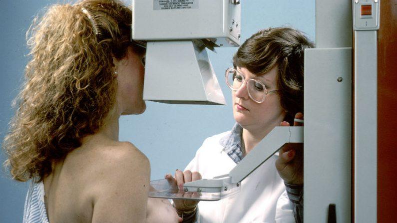 Próteses mamárias podem prejudicar o diagnóstico médico