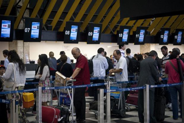 Aeroviários ameaçam estragar o Natal: paralisação está prevista para segunda-feira