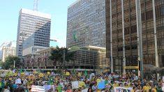 Brasileiros se manifestam contra o Foro de São Paulo (+entrevista com Kim Kataguri)