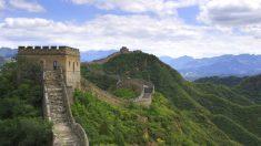 """Expressão chinesa: """"Respeitar o rei e defender-se dos bárbaros"""""""