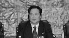 Funcionário do Partido Comunista é pego com 14 passaportes e posses impressionantes