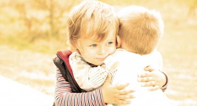 Amizades na infância são cruciais para o altruísmo