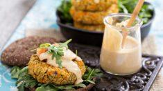 Hambúrguer vegano com maionese de castanha de cajú