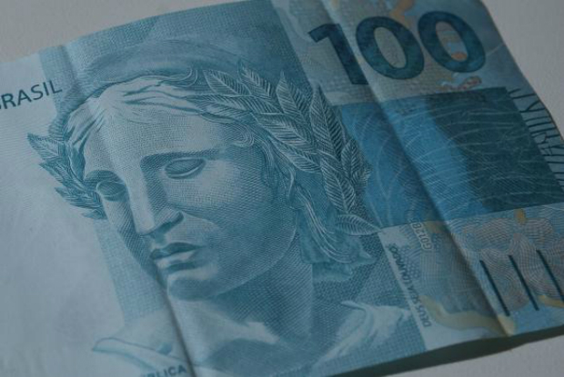Governo defende imposto sobre grandes fortunas para resolver situação fiscal do Brasil